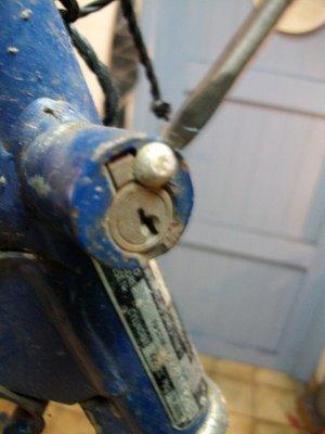 Stuurslot demonteren zonder sleutel de gemakkelijke - Een doorslag ...